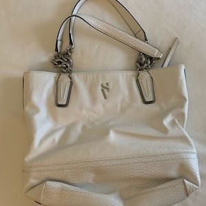 Women's white purse. Simply Vera Wang